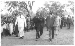 ¤¤  -     AFRIQUE    -   Carte-Photo D'un Défilé De Personnalités Politique     -  ¤¤ - Postcards