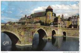 Laval Le Chateau Et Le Vieux Pont Cpsm Bon état - Laval