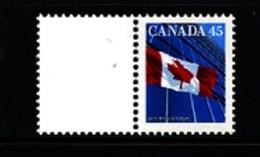 CANADA - 1995  45c  FLAG  PERF. 13 1/2 X 13 + LABEL  FROM BOOKLET  MINT NH - 1952-.... Regno Di Elizabeth II