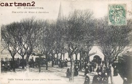 BARBATRE NOIRMOUTIER UNE SORTIE DE MESSE 85 VENDEE - Noirmoutier
