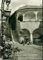Langenlois NÖ Hof Im Gasthaus Zum Weissen Schwan Laterne Sw 26.7.1965 - Langenlois