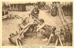Réf : D-15-1956  : AFRIQUE ORIENTALE  RITE DE CONFESSION - Somalie