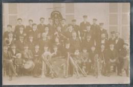 CARTE PHOTO 01 - Cerdon(?), Le Groupe Des Musiciens De La Fanfare - Lieu à Confirmer - Other Municipalities