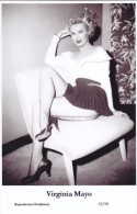 VIRGINIA MAYO - Film Star Pin Up - Publisher Swiftsure Postcards 2000 - Non Classés