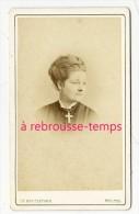 CDV Par Reutlinger-portrait De Femme Avec Croix Imposante- - Photos