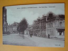 Cpa ROSIERES En SANTERRE -- Rue Victor Hugo - Central Hôtel - ANIMÉE - Attelage - Rosieres En Santerre