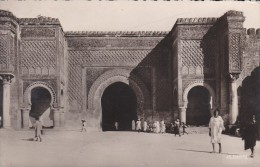 C P A---MAROC---MEKNES---bab Mansour---voir 2 Scans - Meknès