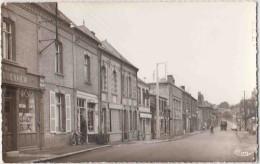Flixecourt (Somme) . Rue Thiers. CPSM Pt Format Animée, 2 Scans - Flixecourt