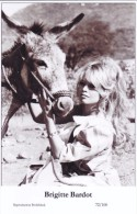BRIGITTE BARDOT - Film Star Pin Up - Publisher Swiftsure Postcards 2000 - Postcards