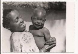 ZAMBEZE MERE CHRETIENNE ET SON BEBE - Zambia