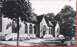 -- 65--CAPVERN LES BAINS -- FACADE DU CASINO -- CARTE PHOTO -- 1956 FLAMME + TIMBRE - Frankrijk