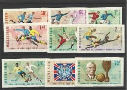 Foot Ball Soccer** MNH Hongrie Magyar 1332.40 Non Dentelé Coupe Du Monde J. Rimet - Coupe Du Monde