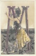 Alphabet Illustré - La Lettre M - Ecriture Et Robe En Paillettes Dorées - Edition Reutlinger - Carte Précurseur - Autres