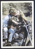 Foto: Chris Nikolson *Couple On Bike* Ed. N.A.G.R. Nº 811. Nueva. - Ilustradores & Fotógrafos