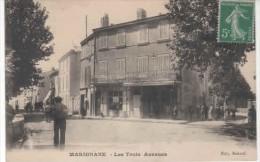 13-  10096  -  MARIGNANE     -  Les Trois Avenues - Marignane