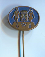 GWB -  Netherlands Holland, vintage pin  badge