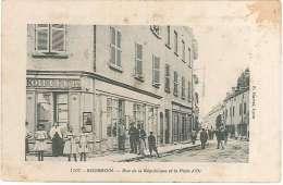 CPA 38 - Bourgoin - Rue De La République Et Puits D'Or - Bourgoin