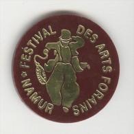 """Jeton Plastique 38 Mm """"INNO - Festival Des Arts Forains - Namur"""" - Professionnels / De Société"""