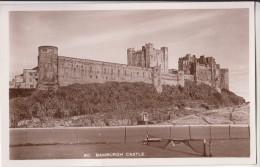 POSTCARD 40 BAMBURGH CASTLE - England