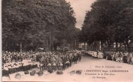 Cpa  14  Caen , Institut Lemonnier , Procession Fete Dieu , La Musique - Caen