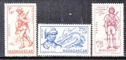 MADAGASCAR   B 8-10    *    VICHY - Madagascar (1889-1960)