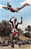 ¤¤  -   1001    -   L´AFRIQUE En Couleurs   -   Danseurs Acrobatique   -   ¤¤ - Postcards