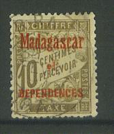 VEND BEAU TIMBRE TAXE DE MADAGASCAR N° 2 , DENTELE , FAUX ??? !!!! - Madagascar (1889-1960)