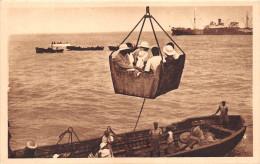 ¤¤  -  36   -   BENIN   -   COTONOU  -  Le PANIER Servant à L'Embarquement Des Passagers   -  ¤¤ - Benin