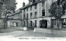 N°43037 -cpa Collège De Bayeux -intérieur Des Cours- - Bayeux