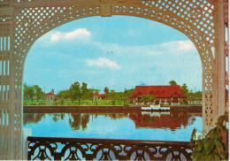 FILIPPINE  MANILA:  MALACANANG  PARK VIEWED FRO THE PALACE ACROSS THE RIVER     (NUOVA) - Filippine
