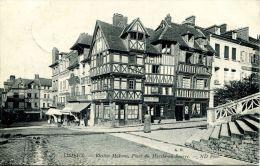 N°43082 -cpa Lisieux -vieilles Maisosn- - Lisieux