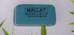 1 GOMME BLEUE MALLAT BUREAU ENCRE ET BILLE TRIPLEX REFERENCE 482-30 FRANCE 5X2,6X0,8cm FERMETURE LIBRAIRIE PAPETERIE - Ohne Zuordnung