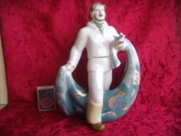 Fisherman. Porcelain. Gilding. Height - 21 Cm. Ukraine. Polonne. Without Damage. - Sculptures