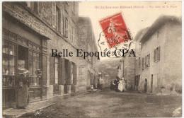 69 - SAINT-JULIEN-sur-BIBOST - Un Coin De La Place / MARIAGE ++++ Delorme, Phot., L'Arbresle ++++ 1911 ++++ RARE - France