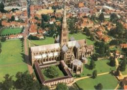 Postcard - Salisbury Cathedral, Wiltshire. CE135 - Salisbury