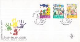 Aruba - FDC60 - Kinderzegels, Kindertekeningen - Bij Het Huis/Op Het Strand/Huis Met Heuvels - NVPH E60 - Curaçao, Nederlandse Antillen, Aruba