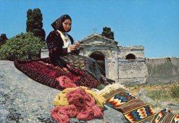 Sardegna - Cartolina DONNA CON CHIESA - PERFETTA L22 - Europe