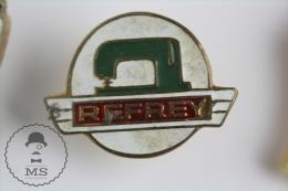 Refrey Sewing Machine Advertising Pin Badge #PLS - Marcas Registradas