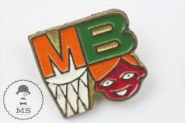 MB Basketball Old Pin Badge #PLS - Pallacanestro