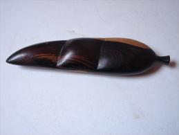 AF. Lot. 543. Fruit Sculpté En Bois Exotique - Art Africain