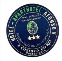 ETIQUETA DE HOTEL  - HOTEL APARTHOTEL ALFONSO V   -AVEIRO -ROTA DA LUZ -PORTUGAL - Etiquettes D'hotels