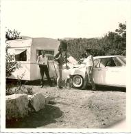 Lot De 2 Photos Automobile Américaine Ste Anastasia Caravane - Cars
