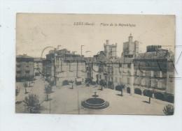 Uzès (30) : La Place De La République En 1922  PF. - Uzès