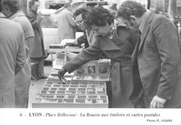 Lyon - Place Bellecourt - La Bourse Aux Timbres Et Cartes Postales - Photo Hamm N°6 - Ed. Panthéon Des Collectionneurs - Bourses & Salons De Collections