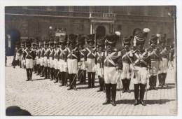 BUCKINGHAM PALACE - GARDE BRITANIQUE - UNIFORMES