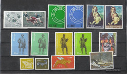 Ireland 1974 Unmounted Mint / Never Hinged Complete Volume In Clean Conservation - Irlanda