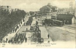 35 CPA Saint Malo Gare Arrivée Du Regiment  Train Animation Militaria Defile De Troupes - Saint Malo