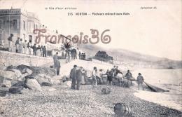 (06) Menton - Pêche Pêcheurs Retirant Leurs Filets - 2 SCANS - Menton