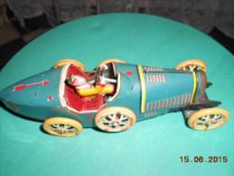 VOITURE TOLE Bugatti - Jouets Anciens