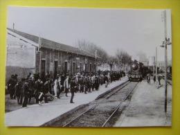 POSTAL 1929 ESTACION DE FIGUERAS Con LOCOMOTORA Y Gente En El Anden - Estaciones Con Trenes